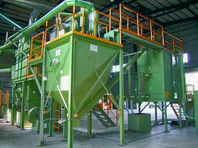 引進德國製環保回收設備,進行「無毒害技術之物理處理」,遵守環保工安法令規定,並配合政府推行「環保工安產業政策」